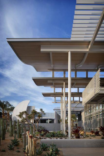 Newport Beach Civic Center © David Wakely Photography
