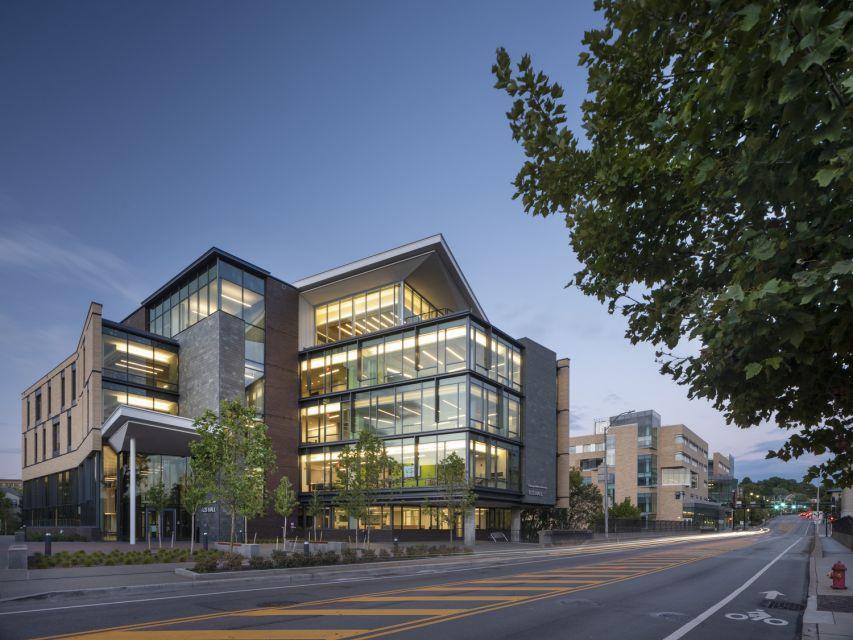 Carnegie Mellon University, TCS Hall © Nic Lehoux