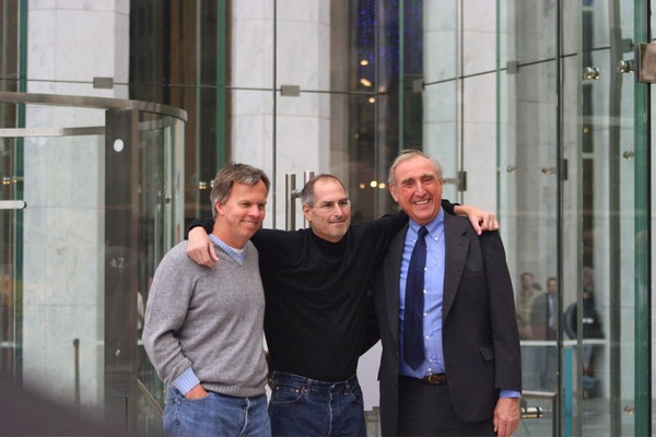 Peter Bohlin with Steve Jobs and Ron Johnson at the Apple Store Fifth Avenue opening.